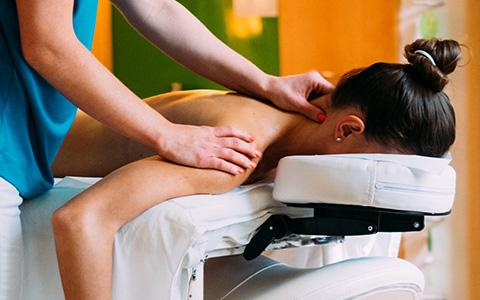 Relax terápia svédmasszázs